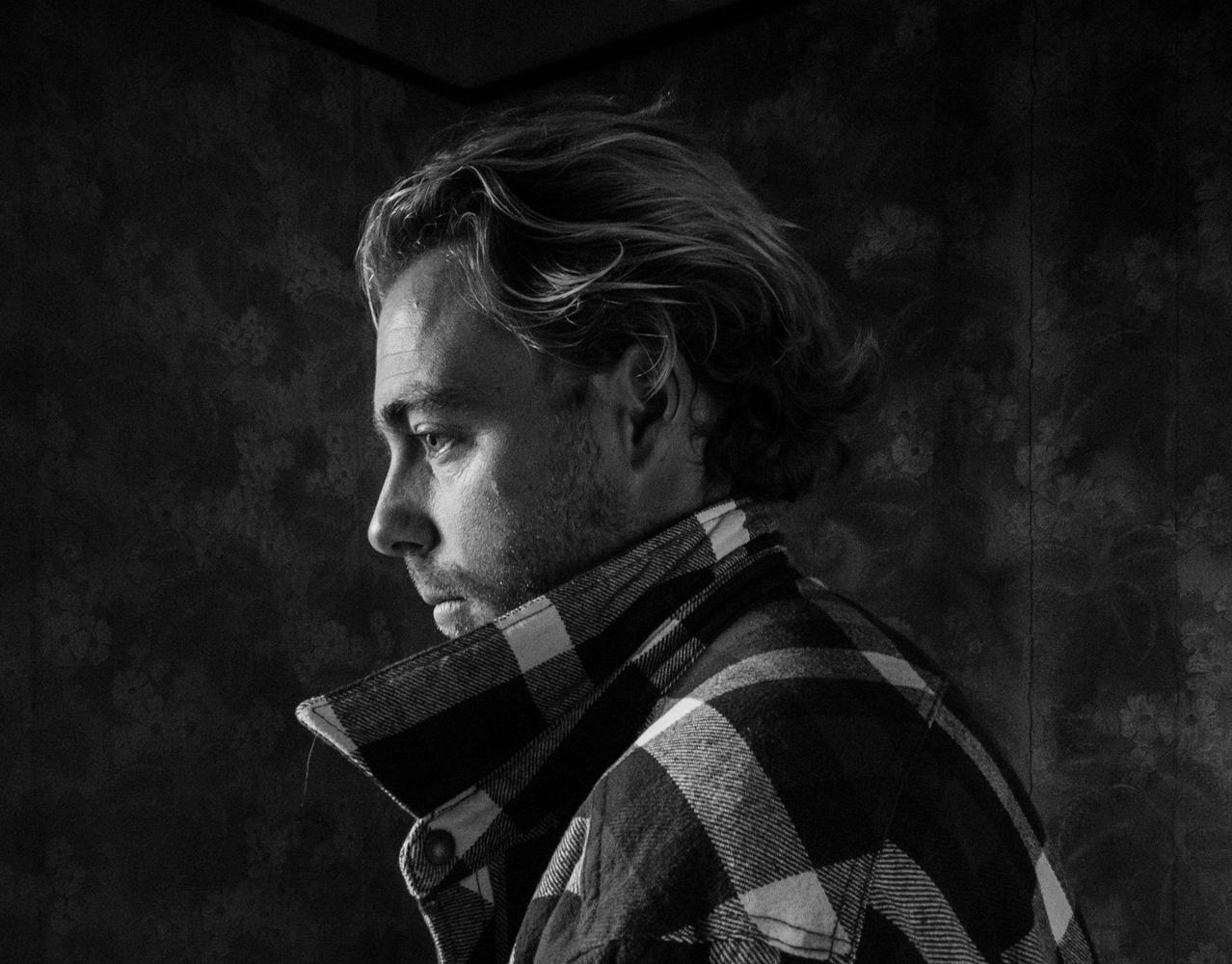 Take striking monochrome portrait shots with the HUAWEI P10 and HUAWEI P10 Plus