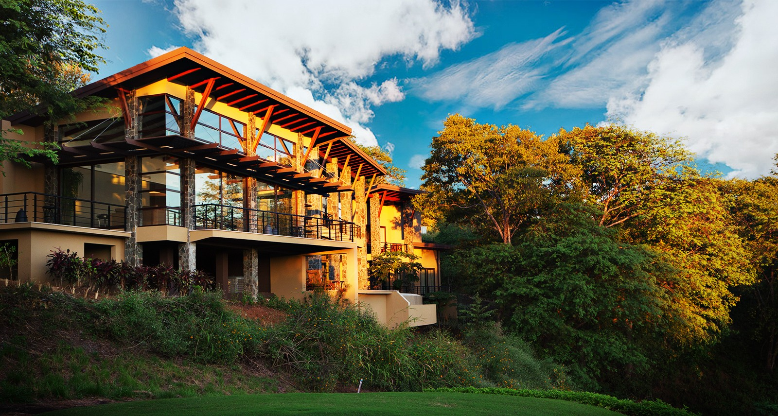 You Could Throw One Hell of a Party at This Costa Rican Vacation Home