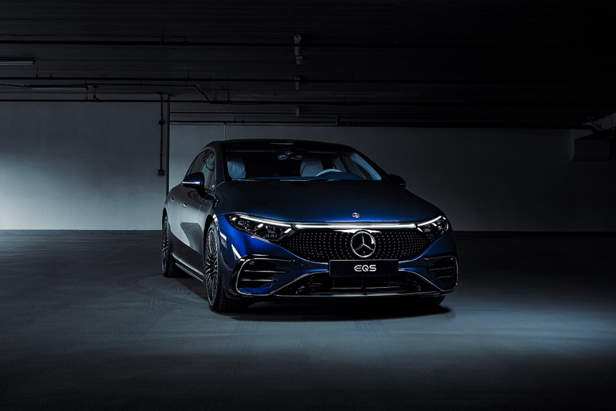 THE MERCEDES-BENZ EQS GETS UNVEILED IN ABU DHABI